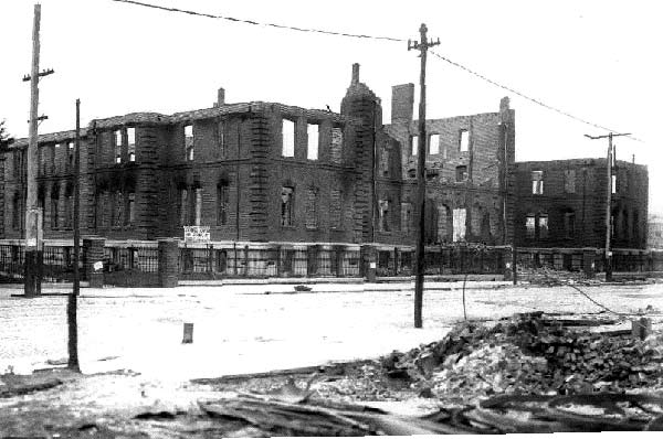 Wreck of the Southern Pacific Hospital at 14th and Mission streets.